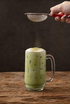 グリーンティー抹茶ラテ冷たい飲み物飲み物の鮮度
