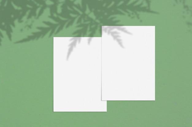 モダンでスタイリッシュなグリーティングカードや結婚式の招待状