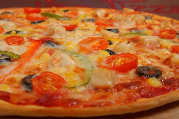 トレイにピザ
