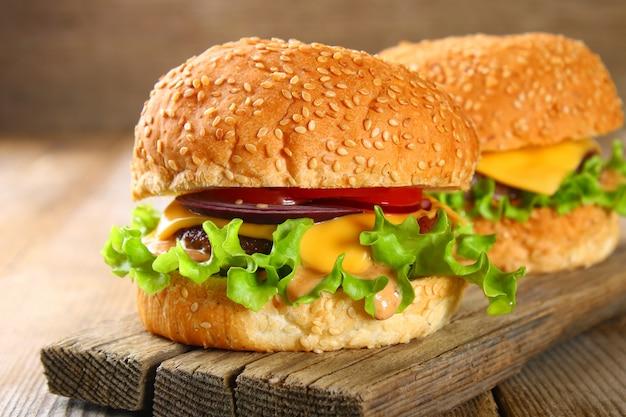 おいしい自家製ハンバーガー