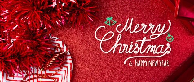 Веселого рождества и счастливого нового года красный фон
