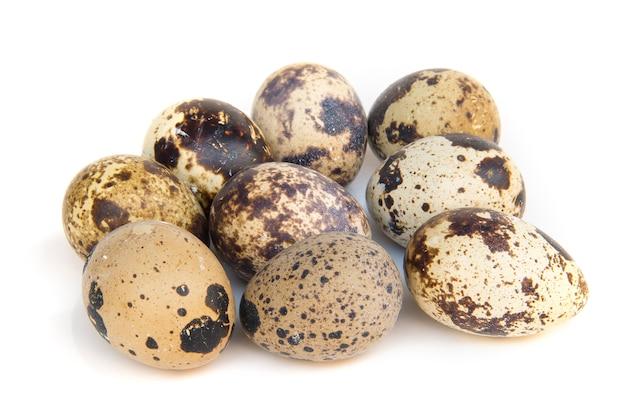 ゆでウズラの卵の側面図