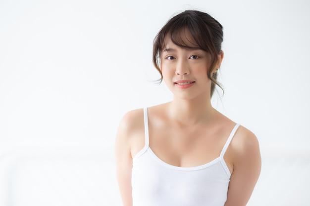 ポーズ美しい若いアジア女性の肖像画