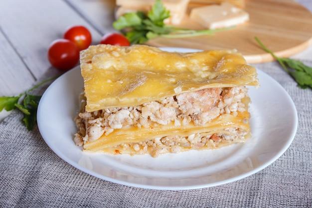 ミンチ肉とチーズのラザニア