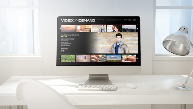 Рабочая область с экраном компьютера делает видео по запросу