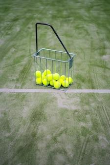 テニスの属性、ボール