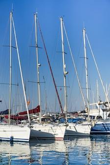 Частные яхты в порту