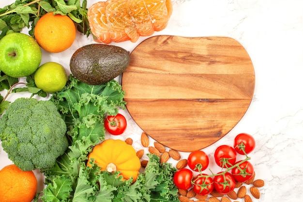 色とりどりの果物と野菜