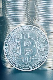 Стоит ли вкладывать деньги в криптографию.