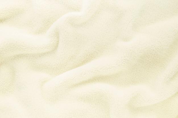 Пушистая нежная детская бежевая кремовая ткань с волнами и складками
