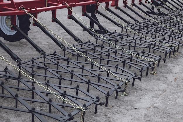 新しい農業用トラクター耕運機の機能部品。農業機械。