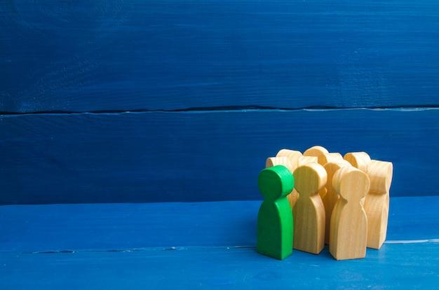 群衆、会議、社会活動。グループの人々の置物。社会、社会集団。群れの本能