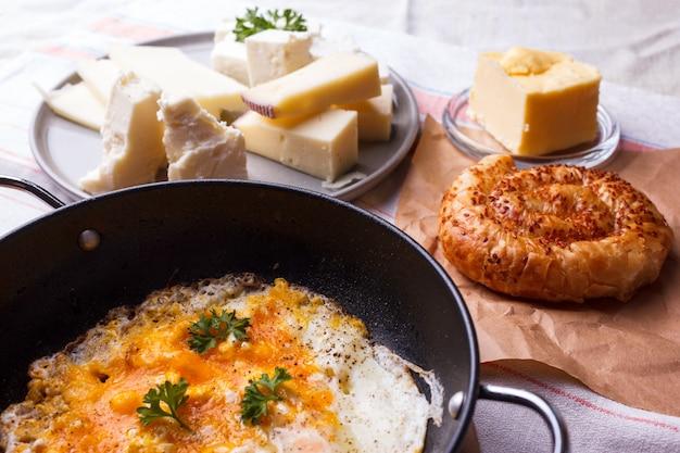 伝統的なトルコの朝食