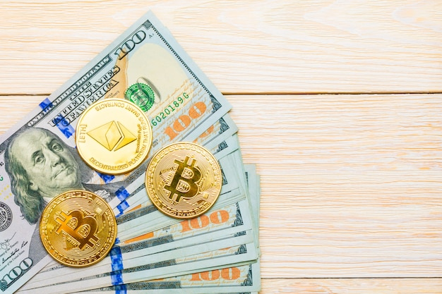 Эфириум монеты и банкноты сто на доллары