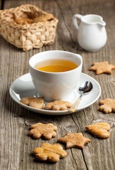 自家製クッキーと紅茶