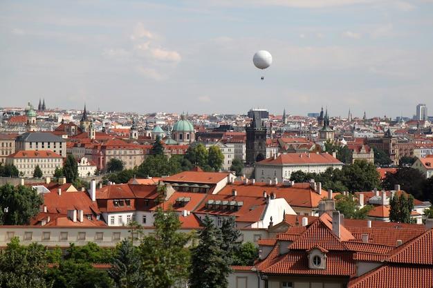 丘からのプラハの眺め