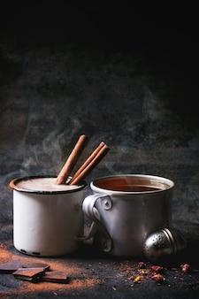 お茶とホットチョコレート