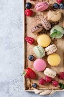 Разнообразие французских десертных миндальных печений