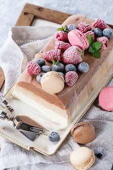 Три слоя торт мороженое