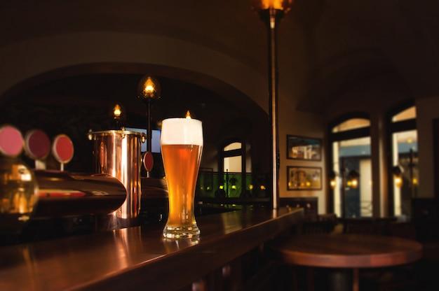Стакан светлого пива