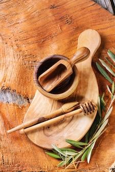 オリーブの木の台所用品