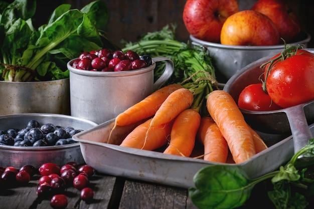 Микс из фруктов, овощей и ягод