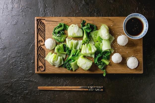 ご飯とチンゲン菜