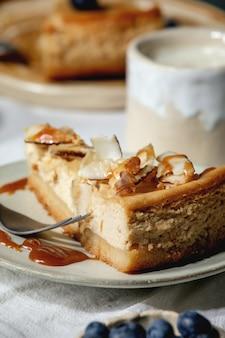 ココナッツとキャラメルのチーズケーキ