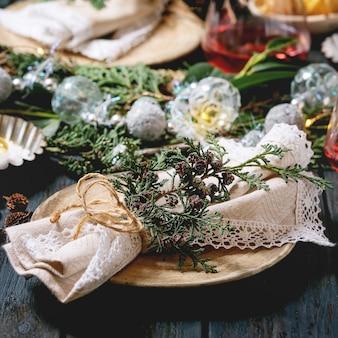 クリスマスまたは新年のテーブル