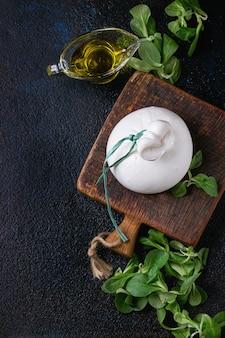 イタリアンチーズのブラータ
