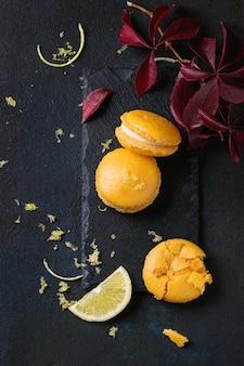 ホワイトチョコレートと柑橘類のマカロン