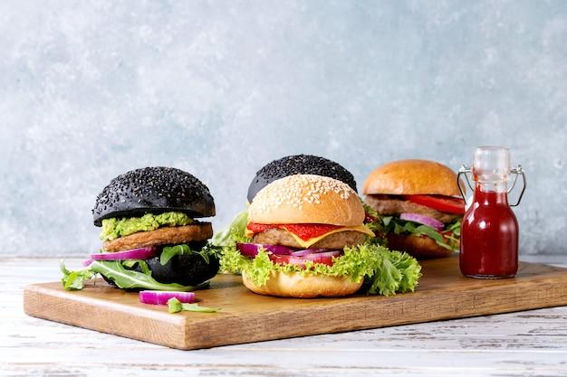 自家製ハンバーガー各種