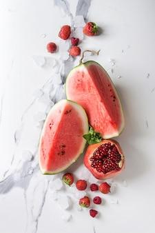 スムージーのための赤い果実