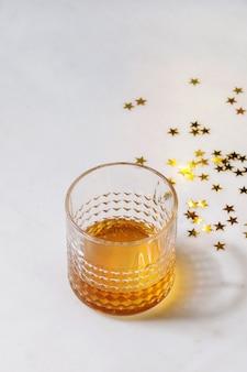 ウイスキーのグラス
