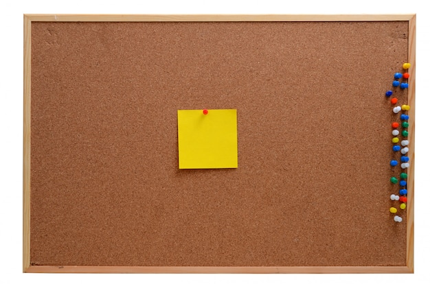空白のメモをコルクボードに固定