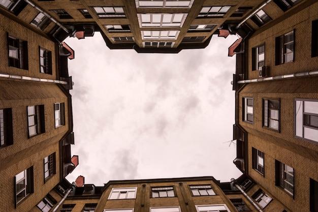 ヤードハウスからの空の眺め