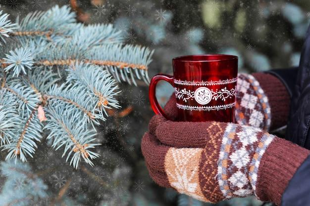 女の子、手袋、ミトン、赤、カップ、熱い、コーヒー