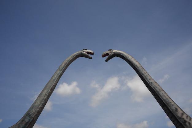 海南島のクジラの野外で恐竜の歴史的彫刻のある国立公園博物館