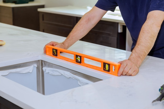 Шкафы с гранитной столешницей реновация и установка гранита