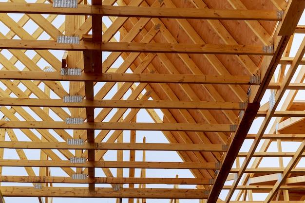 Новый дом в стадии строительства