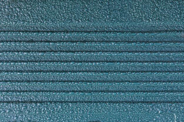 Капли воды на синем фоне