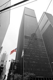 ダウンタウン、ニューヨーク、アメリカ合衆国の建物にアメリカの国旗