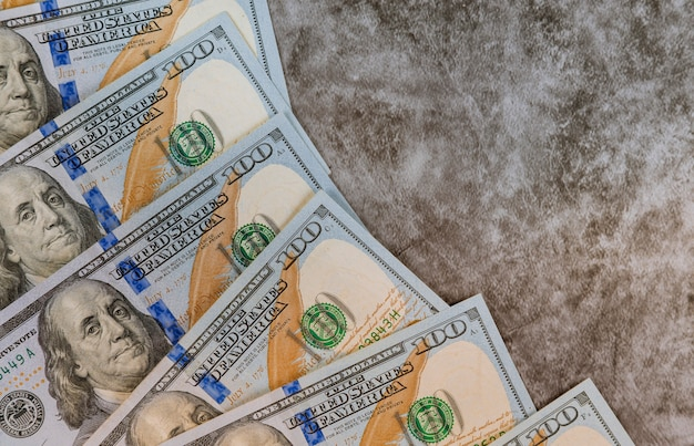 アメリカのお金の多くのドルをクローズアップ