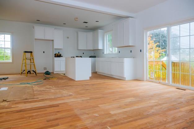 キッチン改造ホーム改善ビューは、新しいキッチンを設置しました