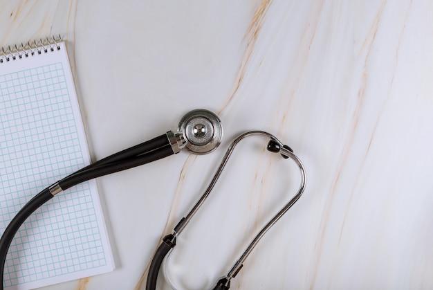 Тетрадь по медицине врачу стетоскоп оборудование
