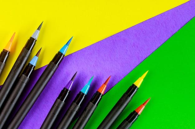 画材の水彩画ペン