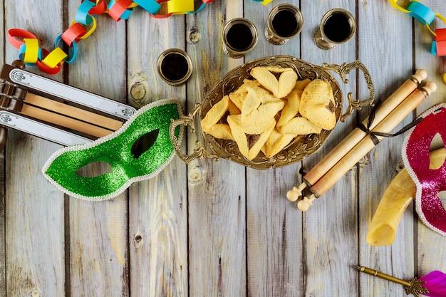 Хаманс уши печенье для праздника пурим еврейский карнавал кошерное вино