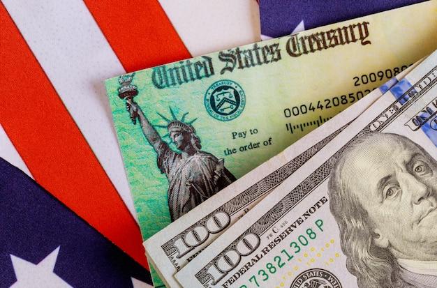 アメリカの国旗米ドル現金紙幣