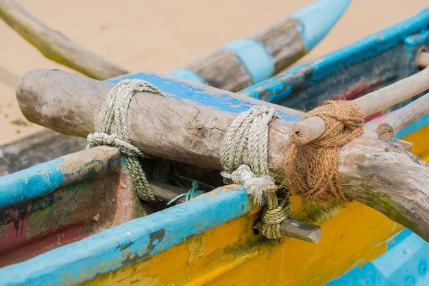 ビーチでボートのカタマラン。