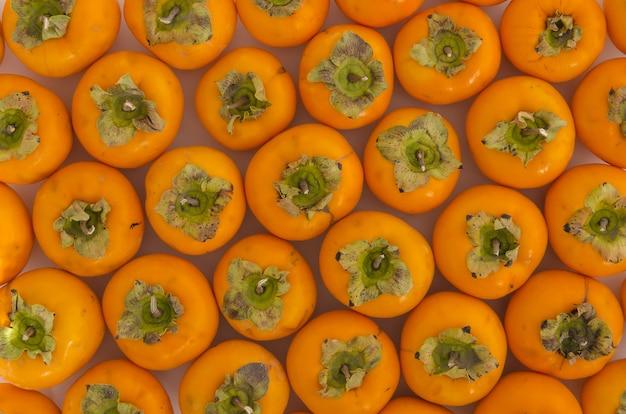 新鮮な熟した柿